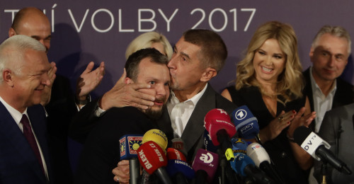 The leader of ANO party Andrej Babis with his fellow party members attends a news conference at the party's election headquarters after the country's parliamentary elections in Prague, Czech Republic October 21, 2017. REUTERS/David W Cerny - UP1EDAL1CVXQF